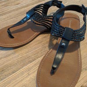 American eagle black strap sandles